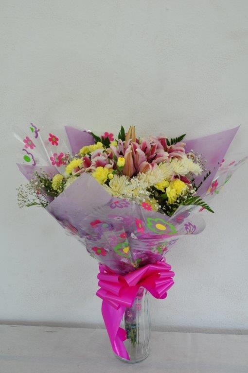 Assorted Fresh Cut Flowers Gift Wrapped EXCLUDING VASE - Shields and ...