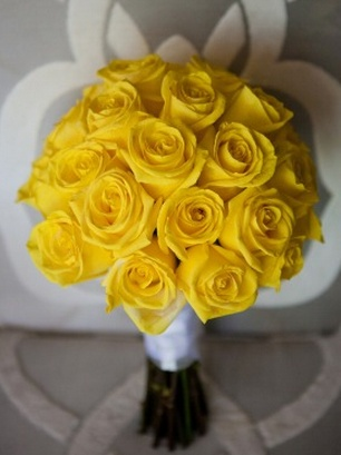 24 Yellow Rose Bridal bouquet