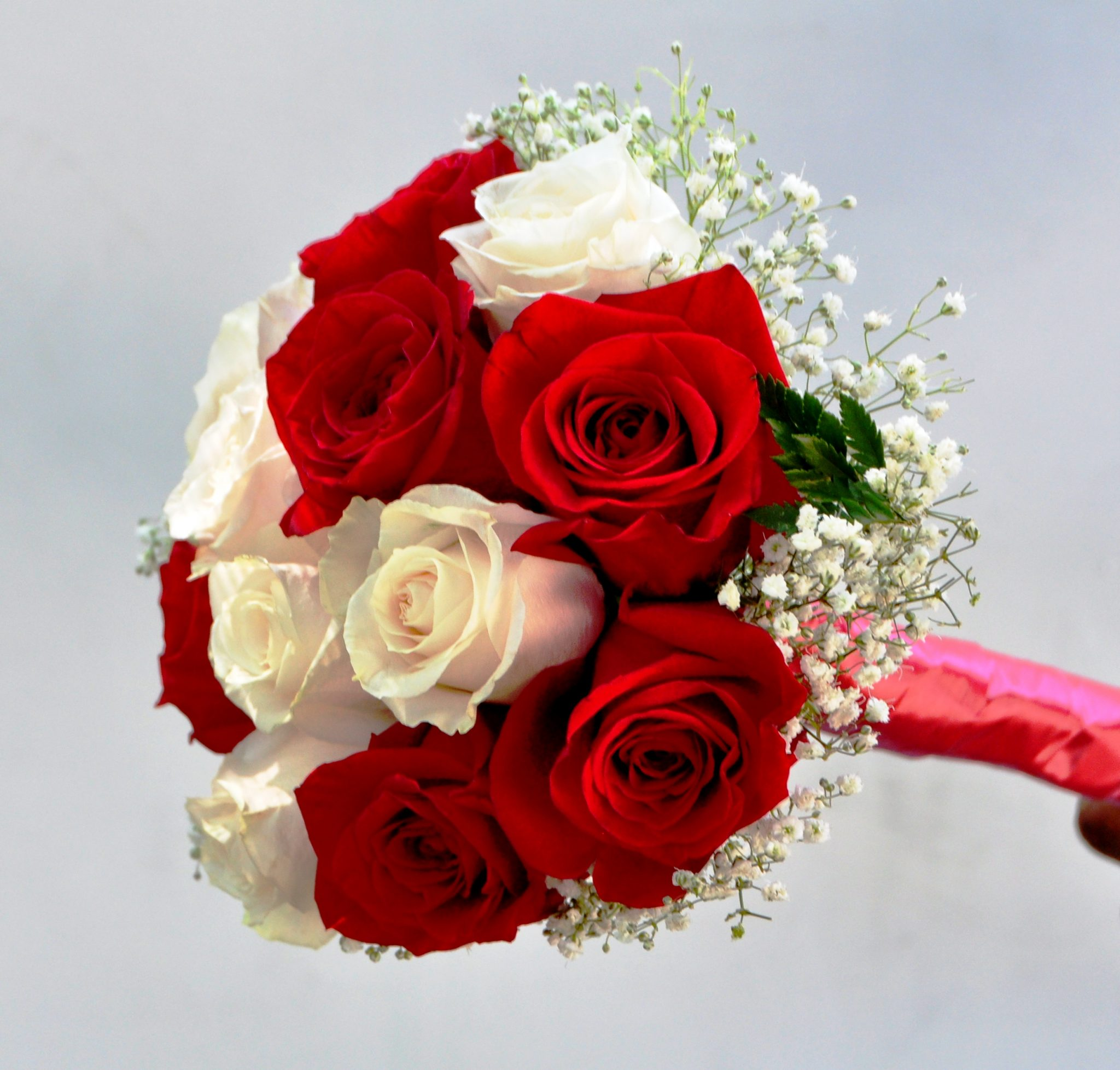 Wedding White Roses: Bride Or Bridesmaid Bouquet 12 Red & White Roses